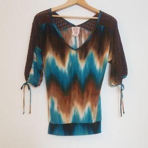 Tie-dye crochet v-neck top
